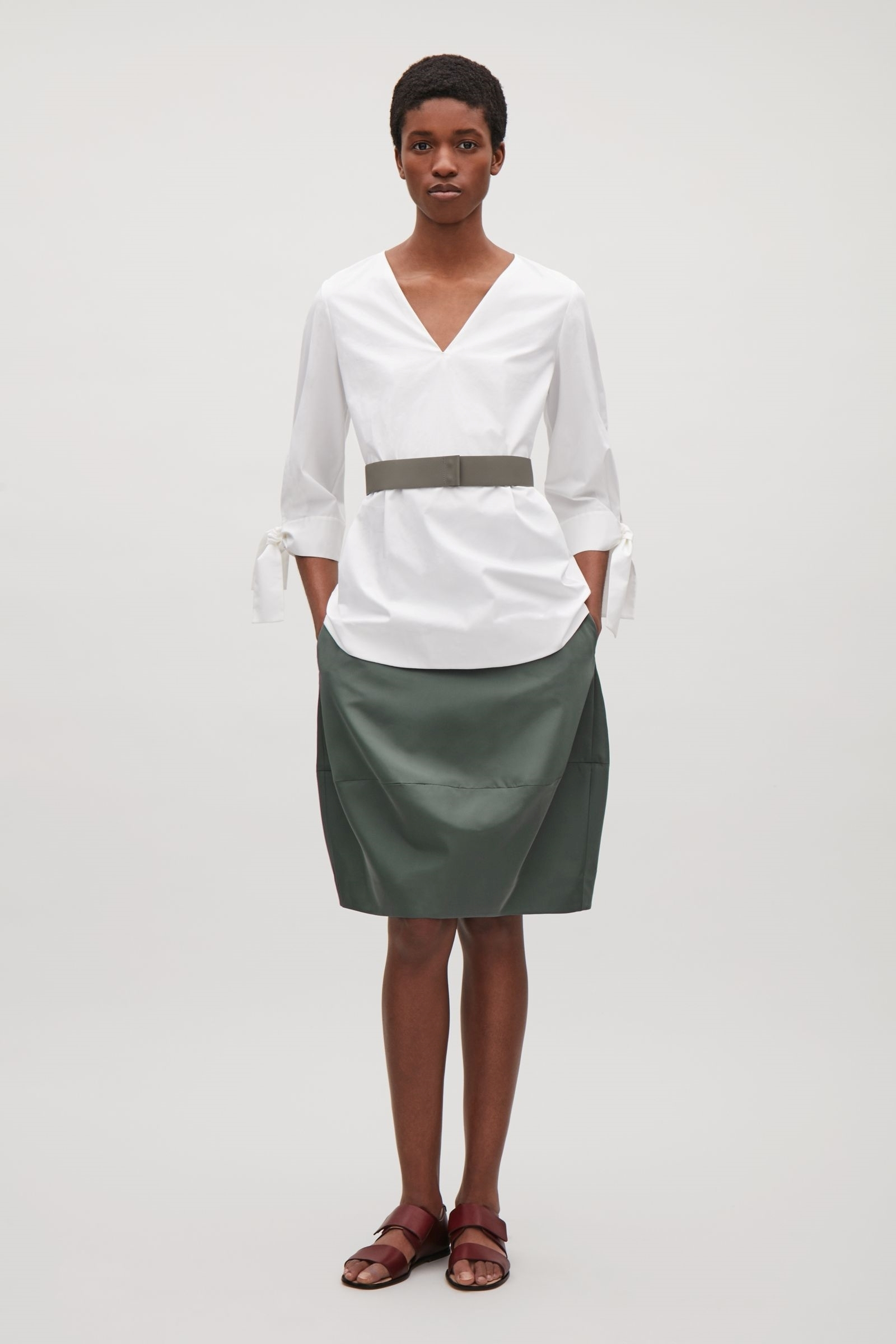 """COS""CONCAVE TECHNICAL SKIRT SAGEGREEN"