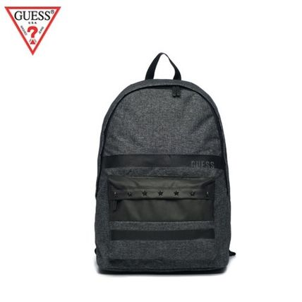 (Guess正規品) マットストライププリントバックパック