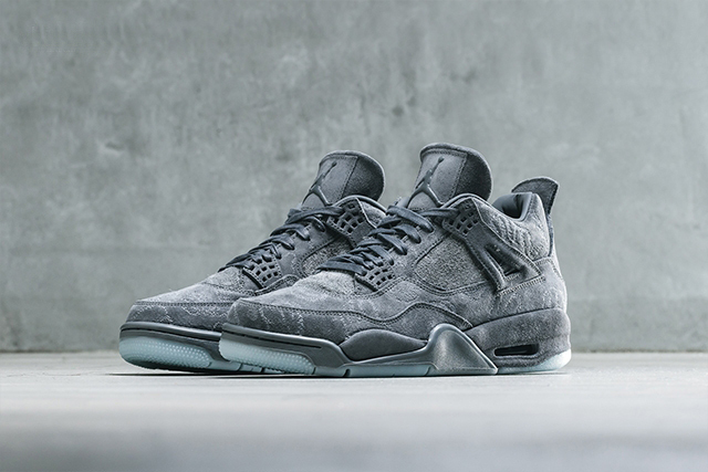 ★【NIKE】US9 27cm ナイキ KAWS x Air Jordan 4 Retro
