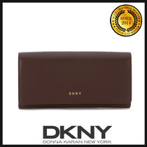 DKNY(ディーケーエヌワイ) 長財布 ★国内発送 DKNY Carryal Wallet In Bordeaux Leather