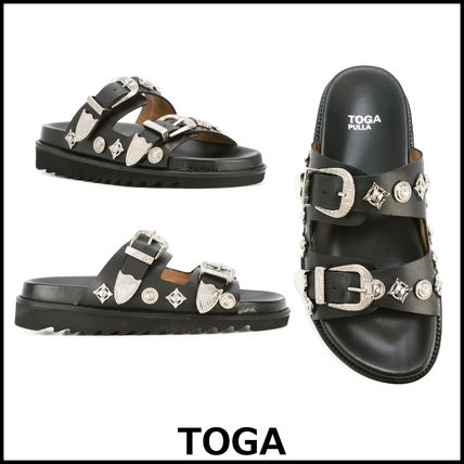 ▲ ▲ TOGA ▲ ▲ decorated leather buckle sandals