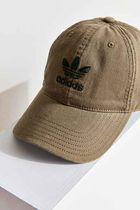 Urban Outfitters(アーバンアウトフィッターズ) キャップ 【UO】adidas Originals Relaxed Strapback Baseball Hat