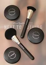 MAC  ブラシ 141 Synthetic Fan Brush