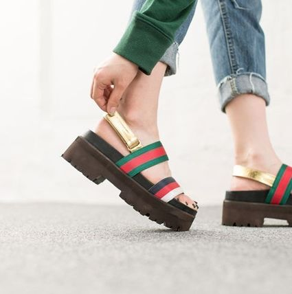 In Korea from gold strap se uues sandals with colorful