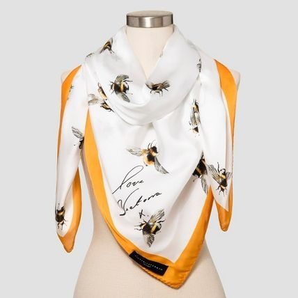 Limited collaboration Victoria Beckham for Target bee