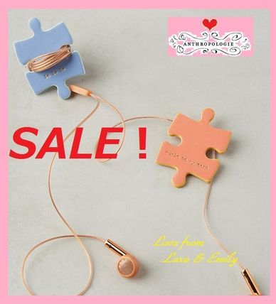 Anthropologie iPhone・スマホケース レア☆ラス1即納【Anthro】Puzzle Cord Keepers 2個セット