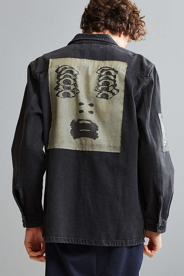 URBAN OUTFITTERS グラフィックパッチワーク デニム シャツ