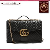 GUCCI(グッチ) バッグ ★新作すぐ届く★GG Marmont quilted-leather travel bag
