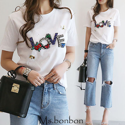 Embroidered T shirt trends ornate floral crew neck