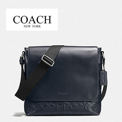国内即発 コーチ COACH CHARLES SMALL MESSENGER IN SIGNATURE