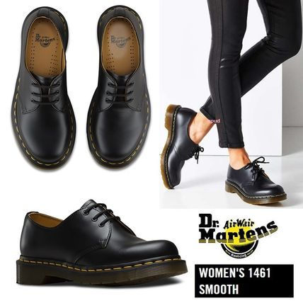 With Dr. Martens CORE 1461 3 EYELET lace up