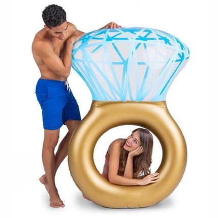 Cute trend vacation on the mast a large pool tubes diamond