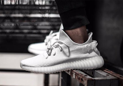 Prior booking Yeezy Boost 350 Triple white white full size