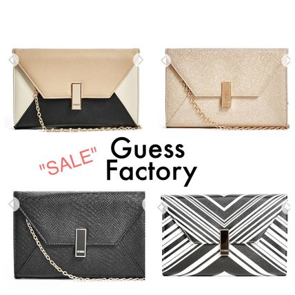 Guess Factory☆セール☆Brynna フラップクラッチ(4色)