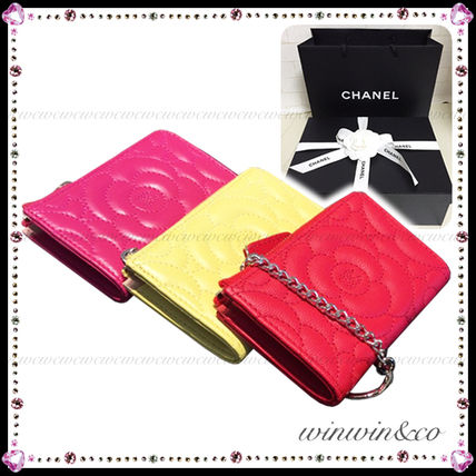To quantity limited edition CHANEL Camellia L-shaped key