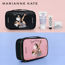 Marianne kate(マリアンケイト) メイクポーチ Marianne kate★ラッキードッグ・ラバーガールポーチ(L)