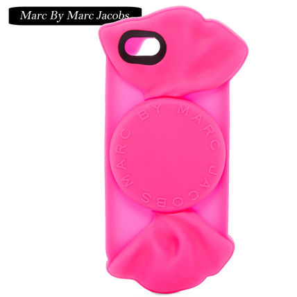 Marc by Marc Jacobs iPhone・スマホケース  Marc by Marc Jacobs  キャンディラッパーデザインiPhone 6