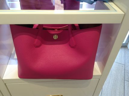 Tory Burch トートバッグ セール!! Tory Burch PERRY TOTE 3カラー(18)