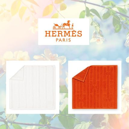 Gift to Hermes hand towel