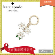 セレブ愛用者多数☆kate spade new york☆Triple Flower Key Fob