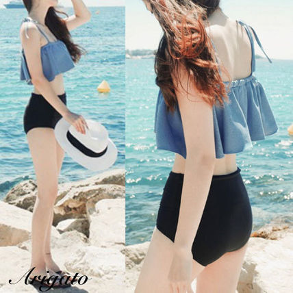 Luxurious frilled top and hailed bikini swimsuit