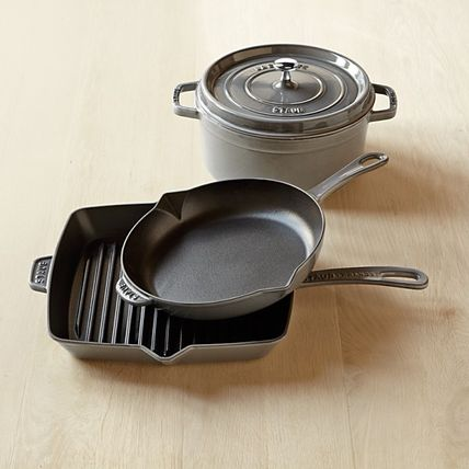 【速達・追跡】 Staub Cast-Iron 4-Piece Cookware Set
