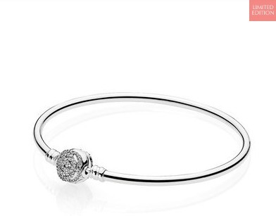 限定品!!【PANDORA】Disney Beauty and the Beast Bangle