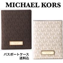 【Michael Kors】Jet Set Travel Logo パスポートケースMKロゴ入