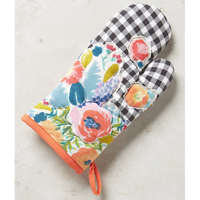 Anthropologie Aprons Three-point set Anthropologie floral & check aprons, mitts, 7