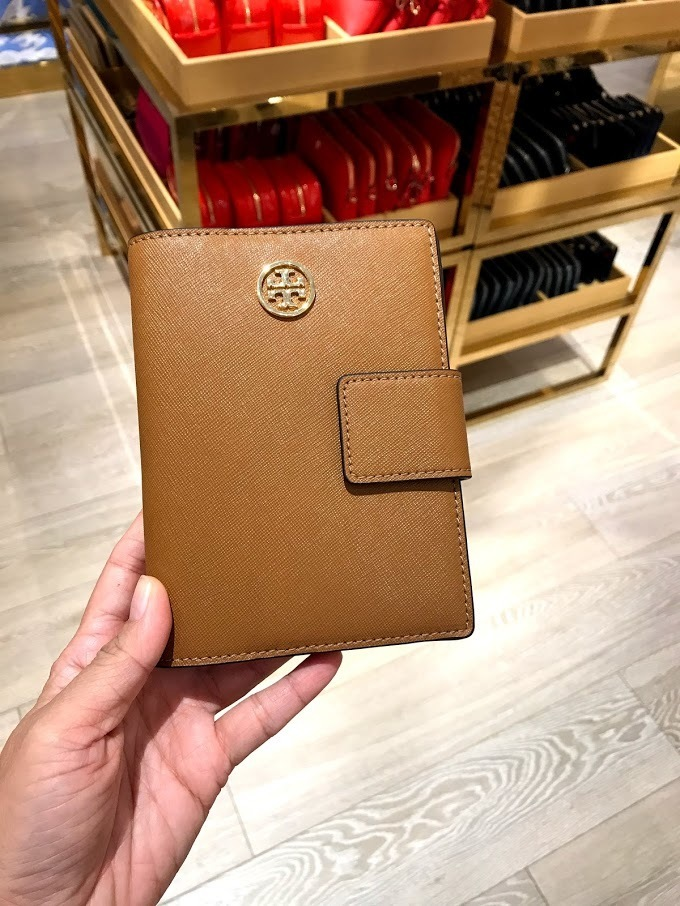 SALE☆TORY BURCH★Robinson Passport Case パスポート入れ