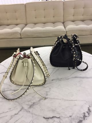 VIP SALE held in the VALENTINO purse-studded shoulder bag