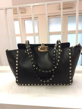 VIP SALE held in the VALENTINO rock studded tote bag meter