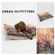 Urban Outfitters☆Shannon Clark For  Moon Magic Pet Bed☆