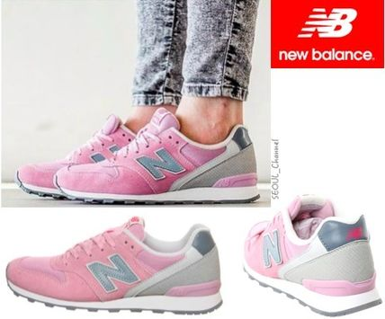 Open commemorative New Balance WR996GH light pink