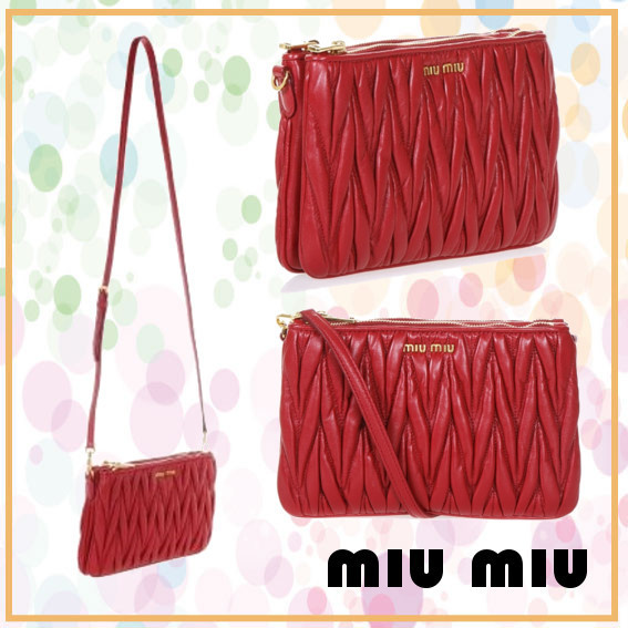 【VIP】数量限定 MIU MIU MATELASSE NAPPA CLUB BAG RED