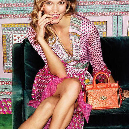 Early person winning DVF pink dress