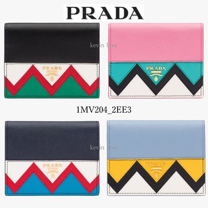 PRADA ethnic pattern is pretty compact, bifold wallet