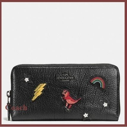 Coach grain leather with souvenir embroidery ♪
