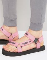 足元大事! 気持ちよく ASOS Sandals In Pink With Slogan