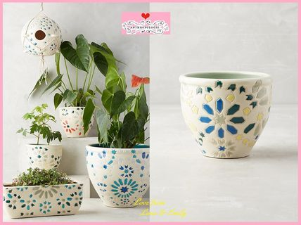 17th SS & Anthro Larent Tiled Pot small