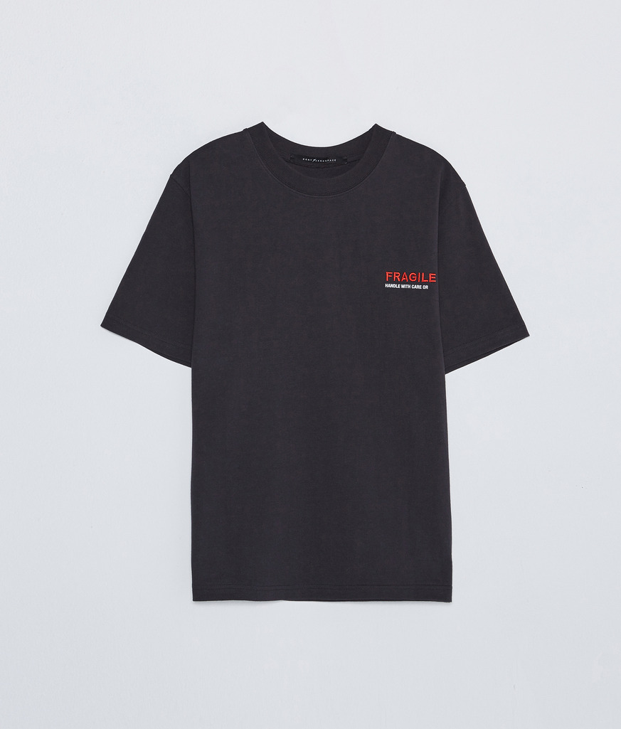 【人気Brand】★Studio Concrete★ EMBROIDERED LOGO T-SHIRT DG