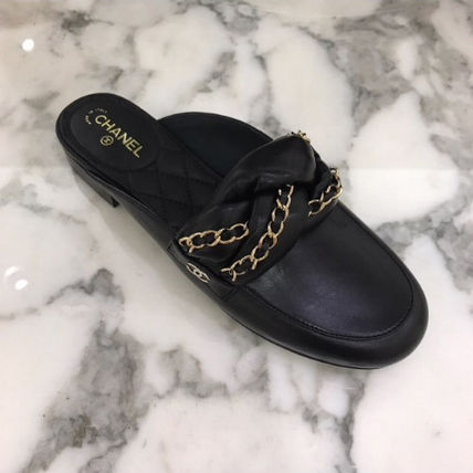 Stock CHANEL Slip-on Sandals loafers