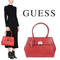 Guess(ゲス) ハンドバッグ 送料無料・関税込 Guess ハンドバッグ キルティング 大きめ 赤