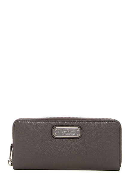 【Marc by Marc Jacobs】New Q Zip Around Leather Wallet