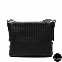 BOTTEGA VENETA(ボッテガヴェネタ) ショルダーバッグ 関税送料込BOTTEGAVENETA NERO INTRECCIATO CROSSBODY MESSENGER