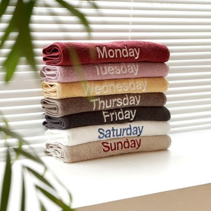 COMOKKOZI day of the week embroidery with simple towel (set