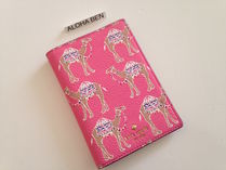 Kate Spade Spice things up camel march passport holder即発送