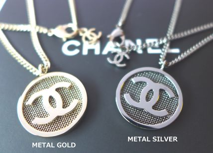Coin CC mark medal necklaces mesh processing