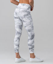 Wunder Under Hi-Rise 7/8 Tight FULL-ON LUX*breeze by white