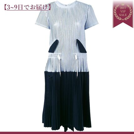 Bi-coloured pleated dress